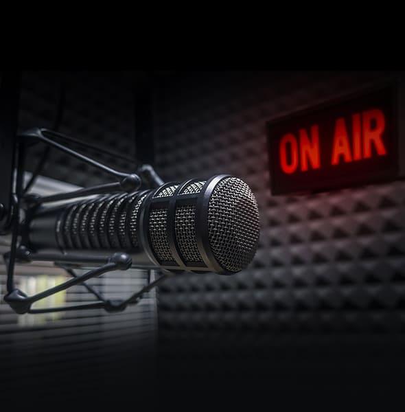تساعد اعلانات الراديو فى الترويج عن الخدمات والمنتات للشركات مما يؤدى إلى زيادة انتباة العملاء للعلامة التجارية